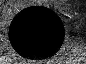 HB Mørk materie Slåttebråtan hus red sv hv - 300 dpi > 2MB